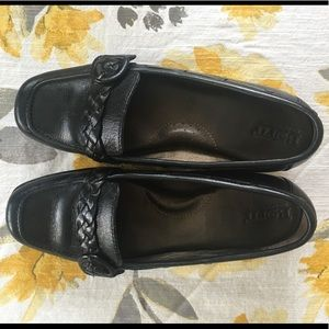 Born dress shoes